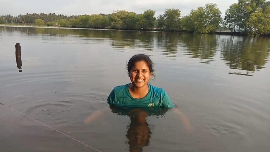 Riya im Vellayani See