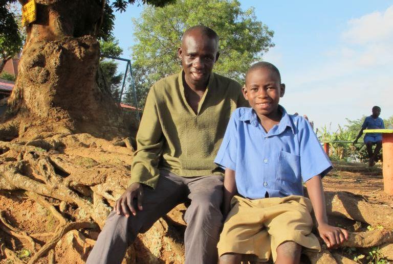 Samuel mit seinem Sohn Raphael